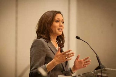 Indian-American Kamala Harris creates wins US Senate seat!