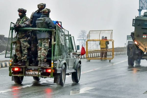 4 Army Personnel Martyred in Encounter With Terrorists In Jammu and Kashmir