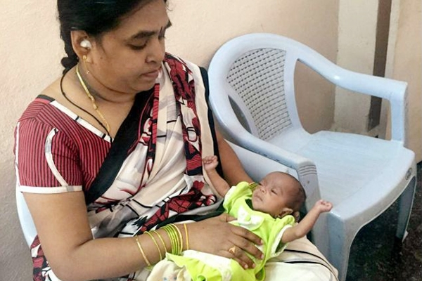 Smallest baby birth weight of 650 gm holds record!},{Smallest baby birth weight of 650 gm holds record!